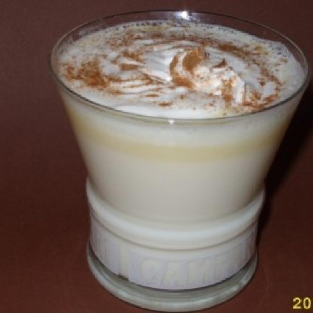 Ezen a képen: Fehér forró csokoládé