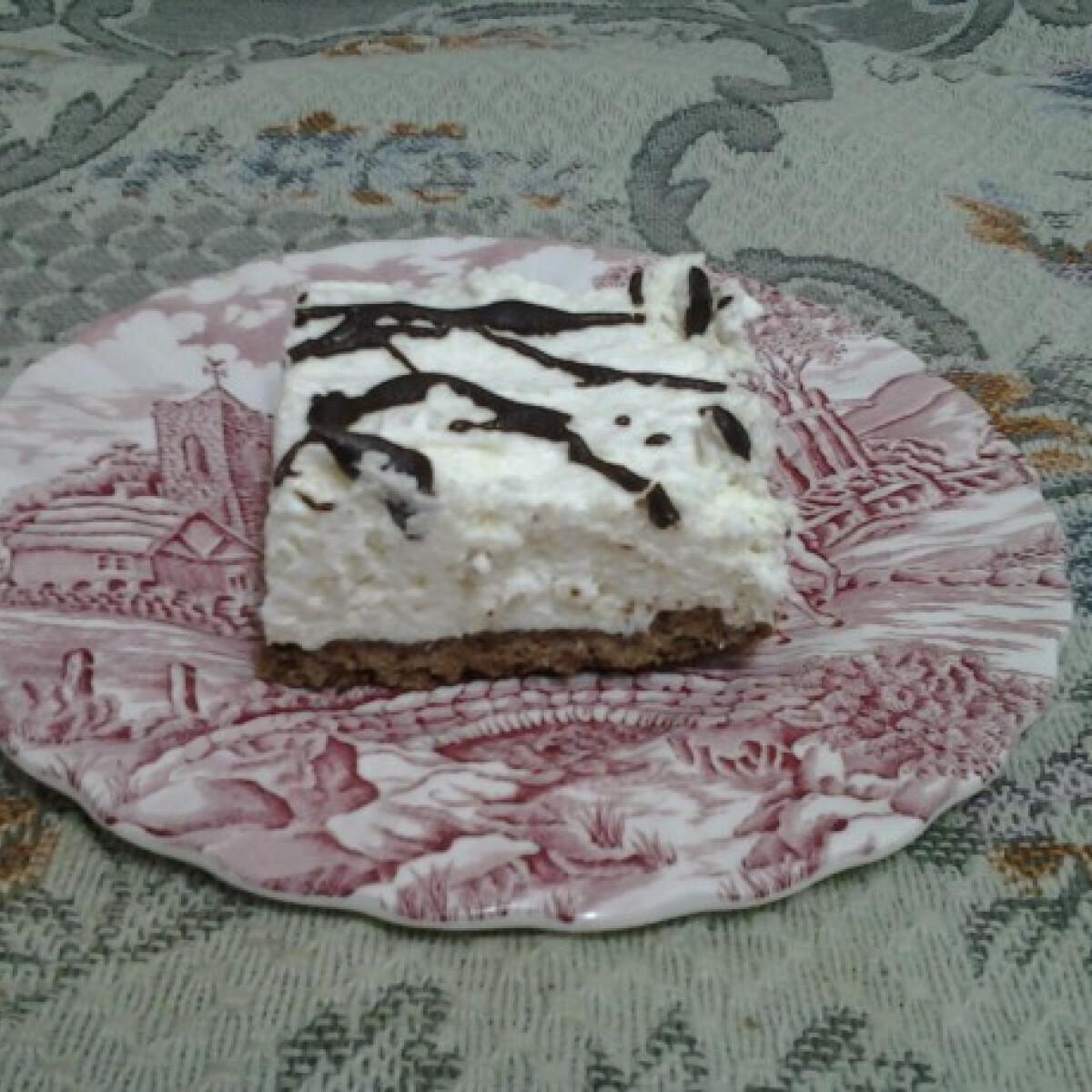 Ezen a képen: Kókuszos kakaós szelet Angie-30 konyhájából