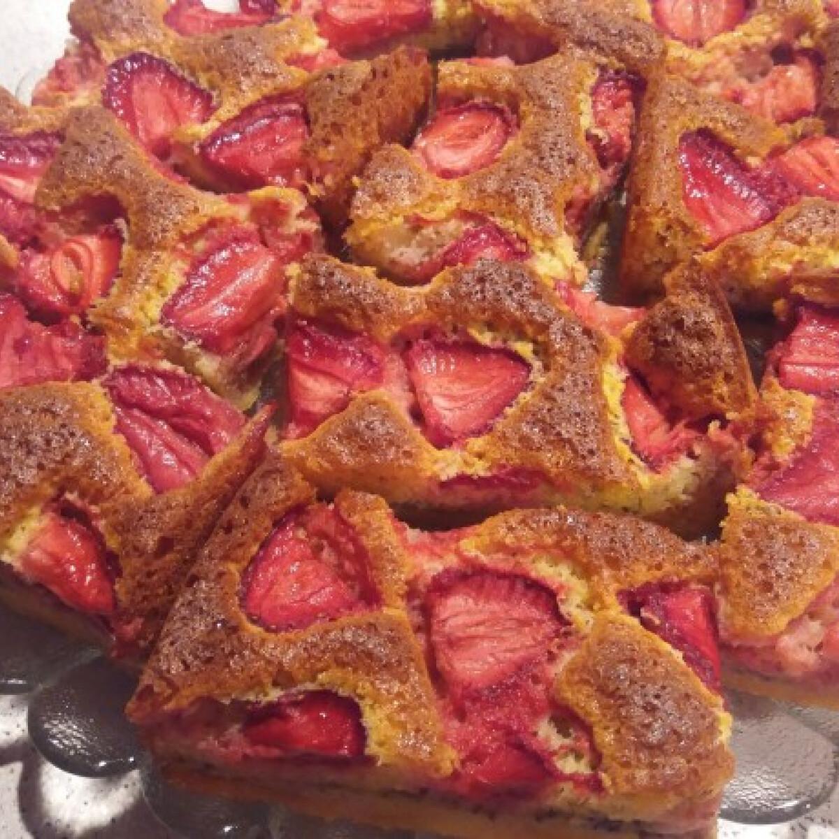 Tej- és gluténmentes chiamagos-epres szelet