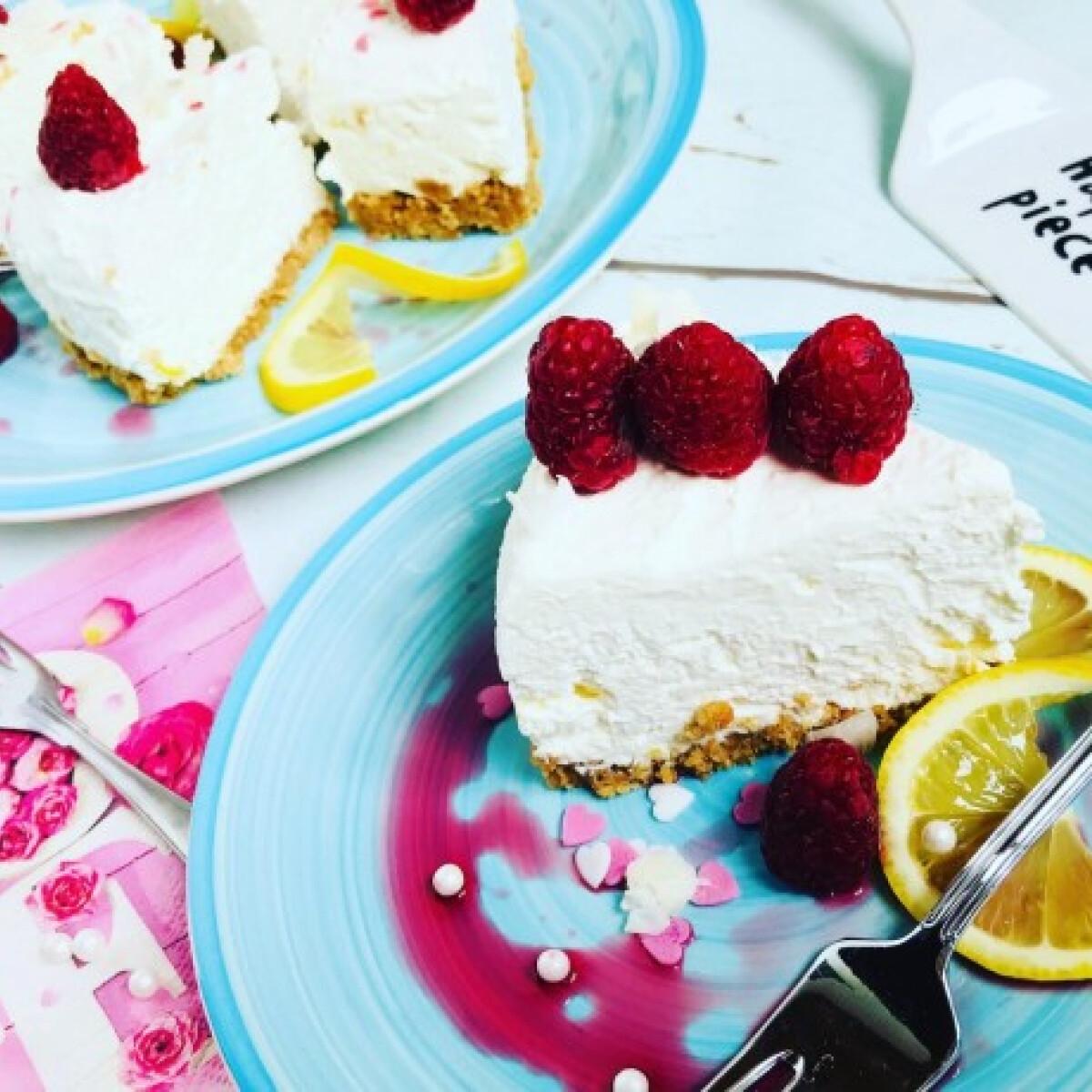 Ezen a képen: Sütés nélküli, cukormentes, citromos túrótorta
