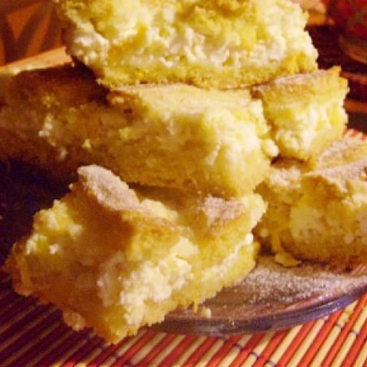 Ezen a képen: Narancsos-túrós rácsos süti