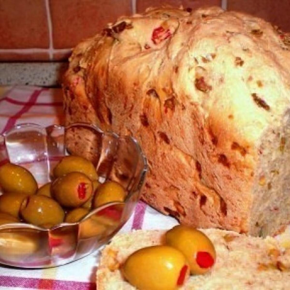 Ezen a képen: Olajbogyós kenyér 4. - szezámmagos