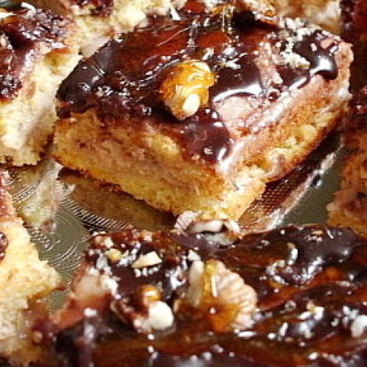 Ezen a képen: Főzött krémes-csokikrémes sütemény