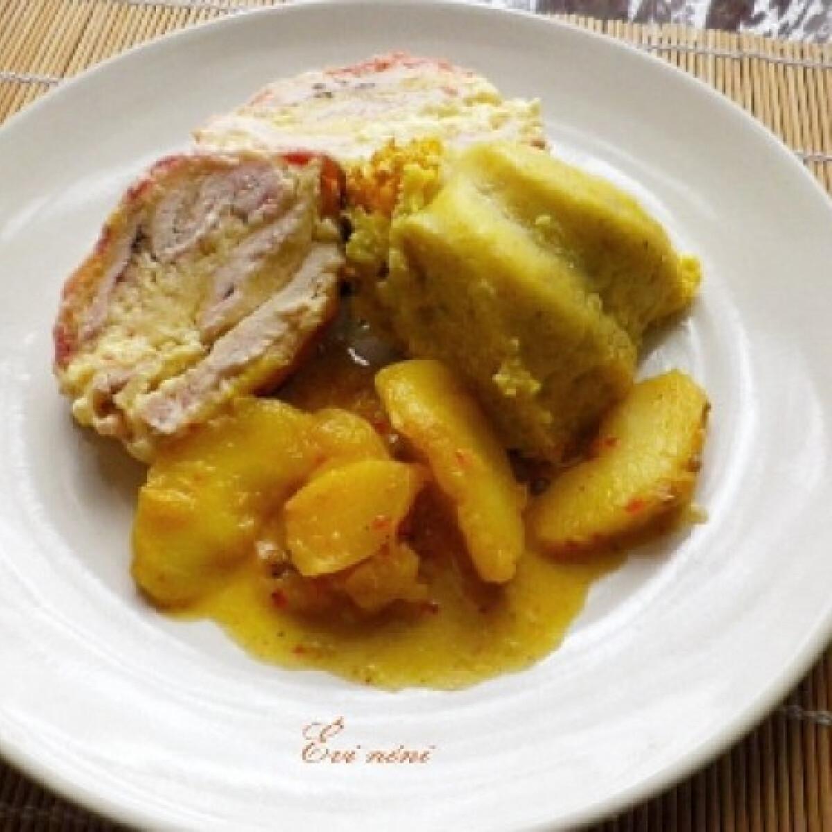 Sajtos csirke őzgerincben sütve almaszósszal