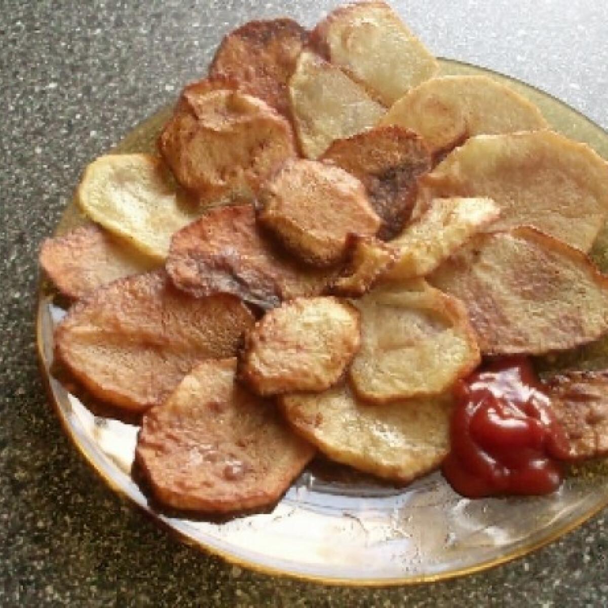 Ezen a képen: Chips házilag lila szakácstól
