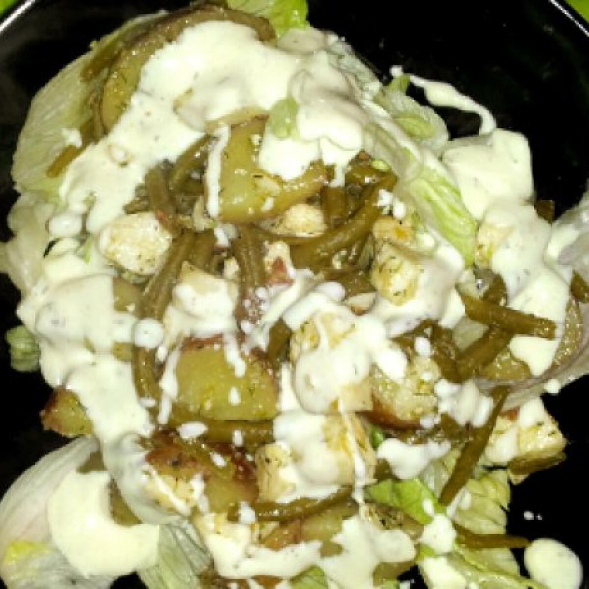 Ezen a képen: Vajhal saláta