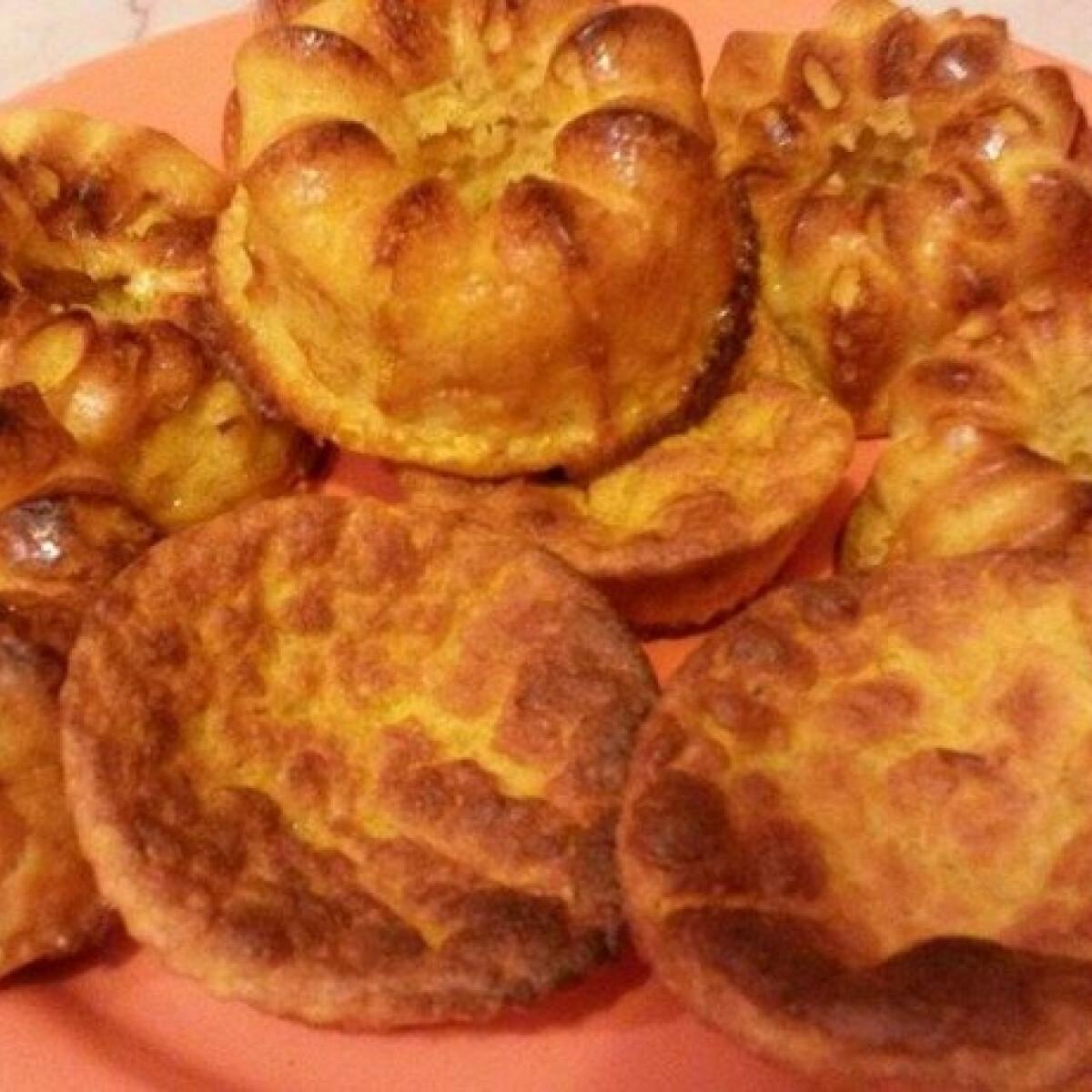 Ezen a képen: Sütőben sült sütőtökös túrógombóc