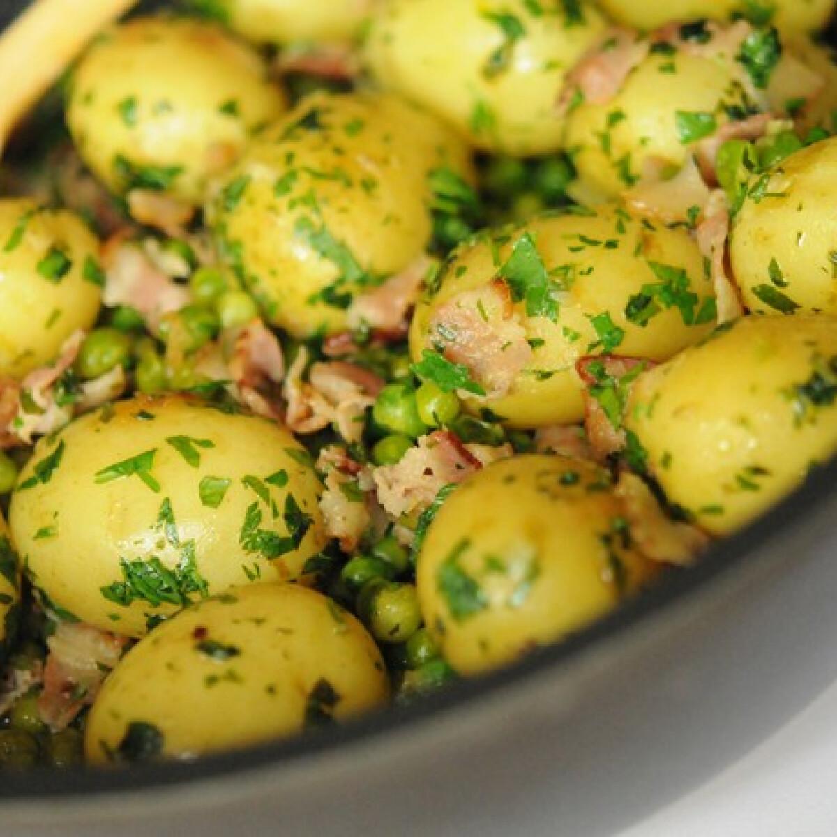 Ezen a képen: Borsós-szalonnás petrezselymes újkrumpli