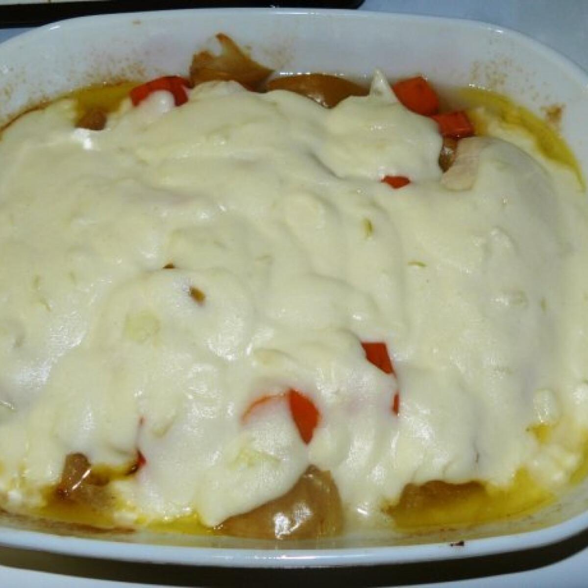 Ezen a képen: Szószos almás csirke Candida diétához