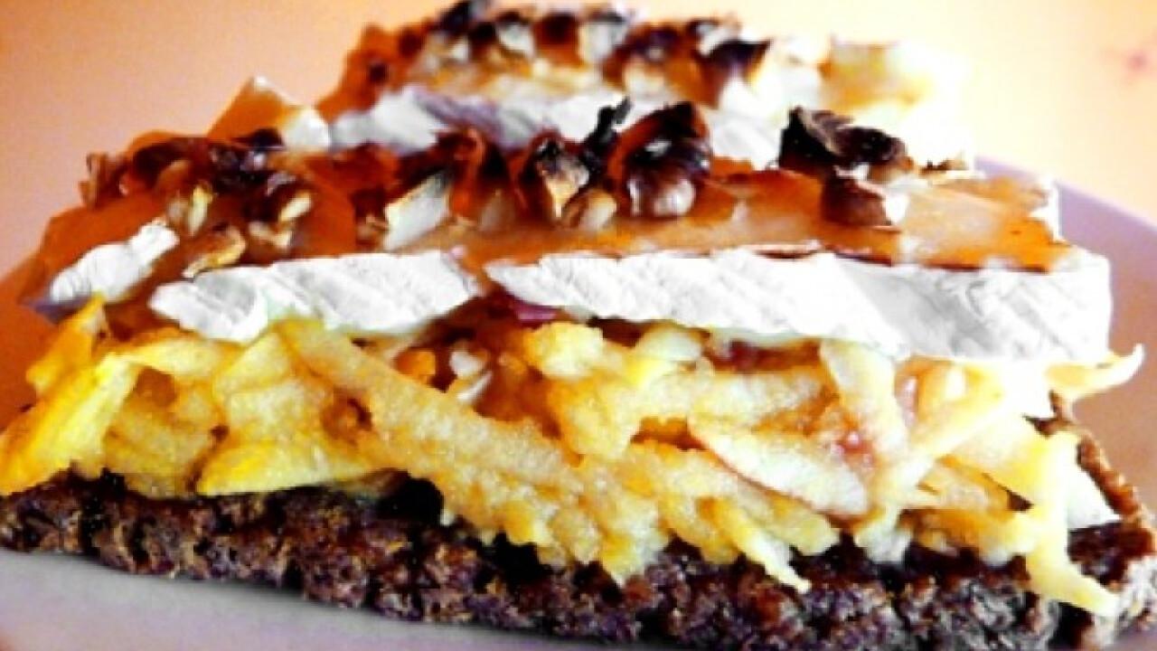 Almás-camembertes-diós melegszendvics