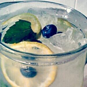 Áfonyás limonádé
