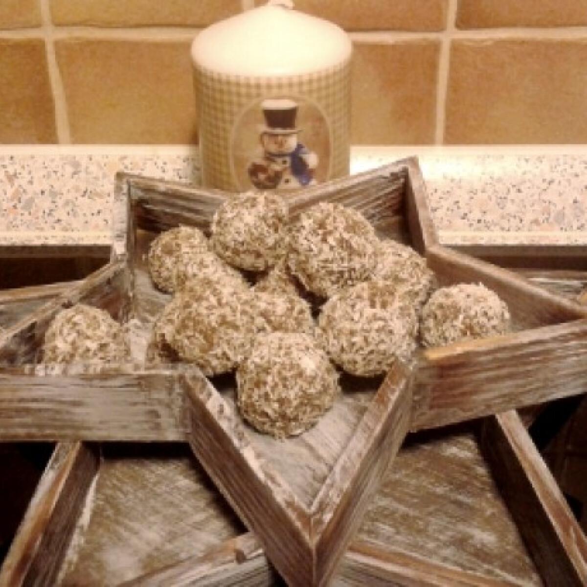 Ezen a képen: Reform kókuszgolyó