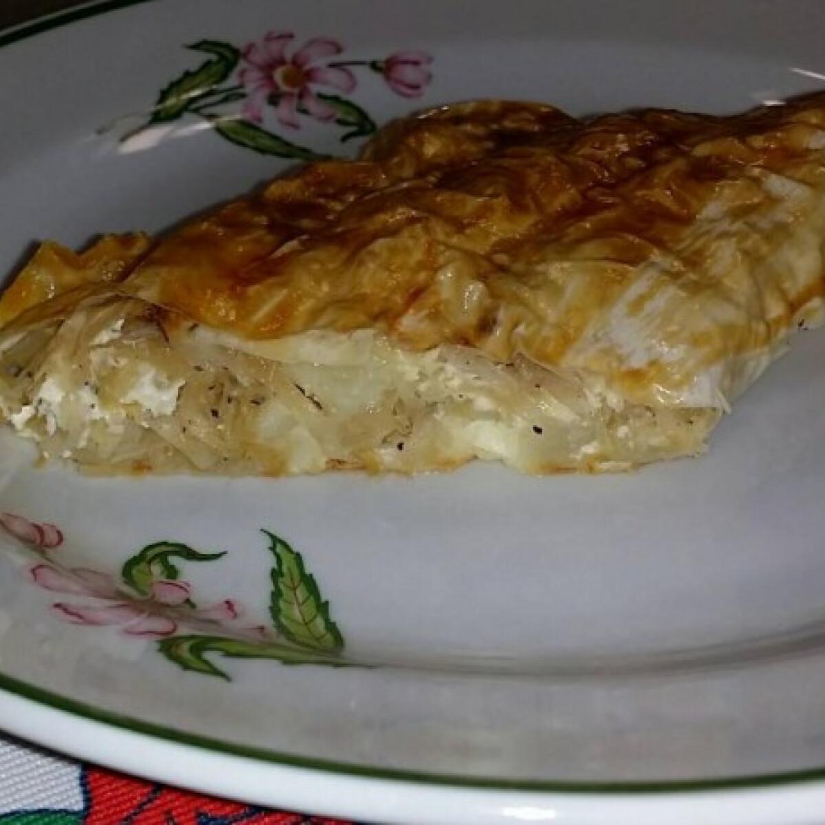 Ezen a képen: Krumplis rétes savanyú káposztával töltve
