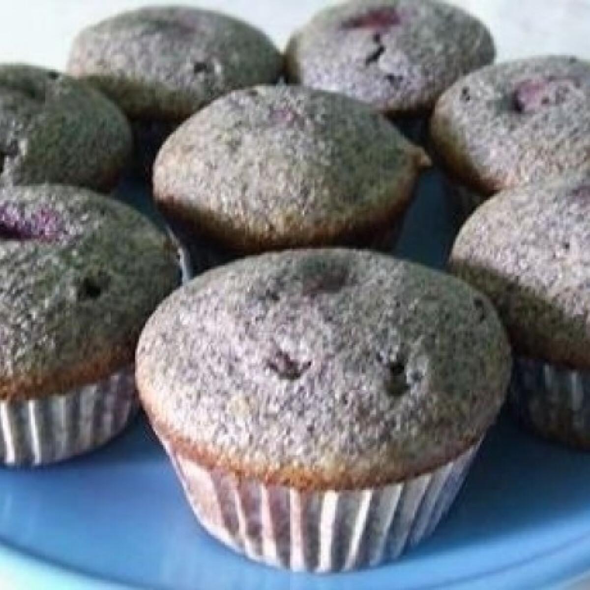 Ezen a képen: Meggyes-mákos muffin