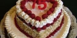 Születésnapi emeletes torta