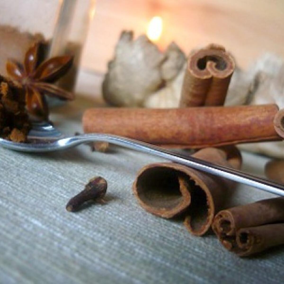 Ezen a képen: Mézeskalács fűszerkeverék házilag