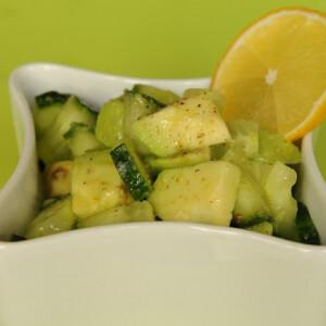 Avokádós-citromos uborkasaláta