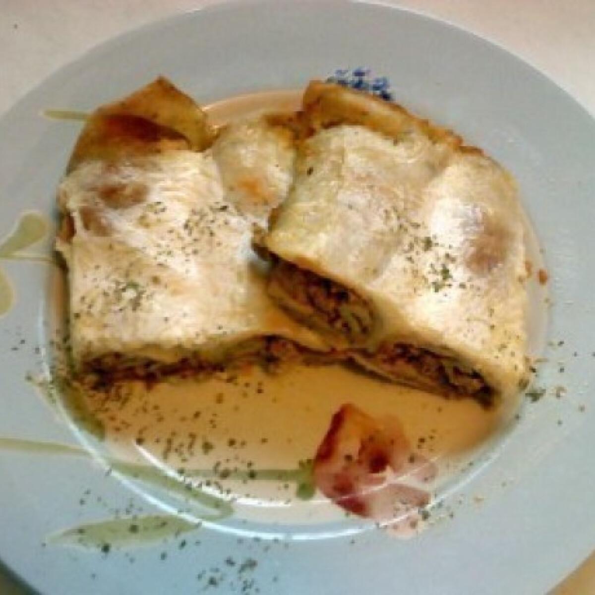 Ezen a képen: Görögös húsos palacsinta