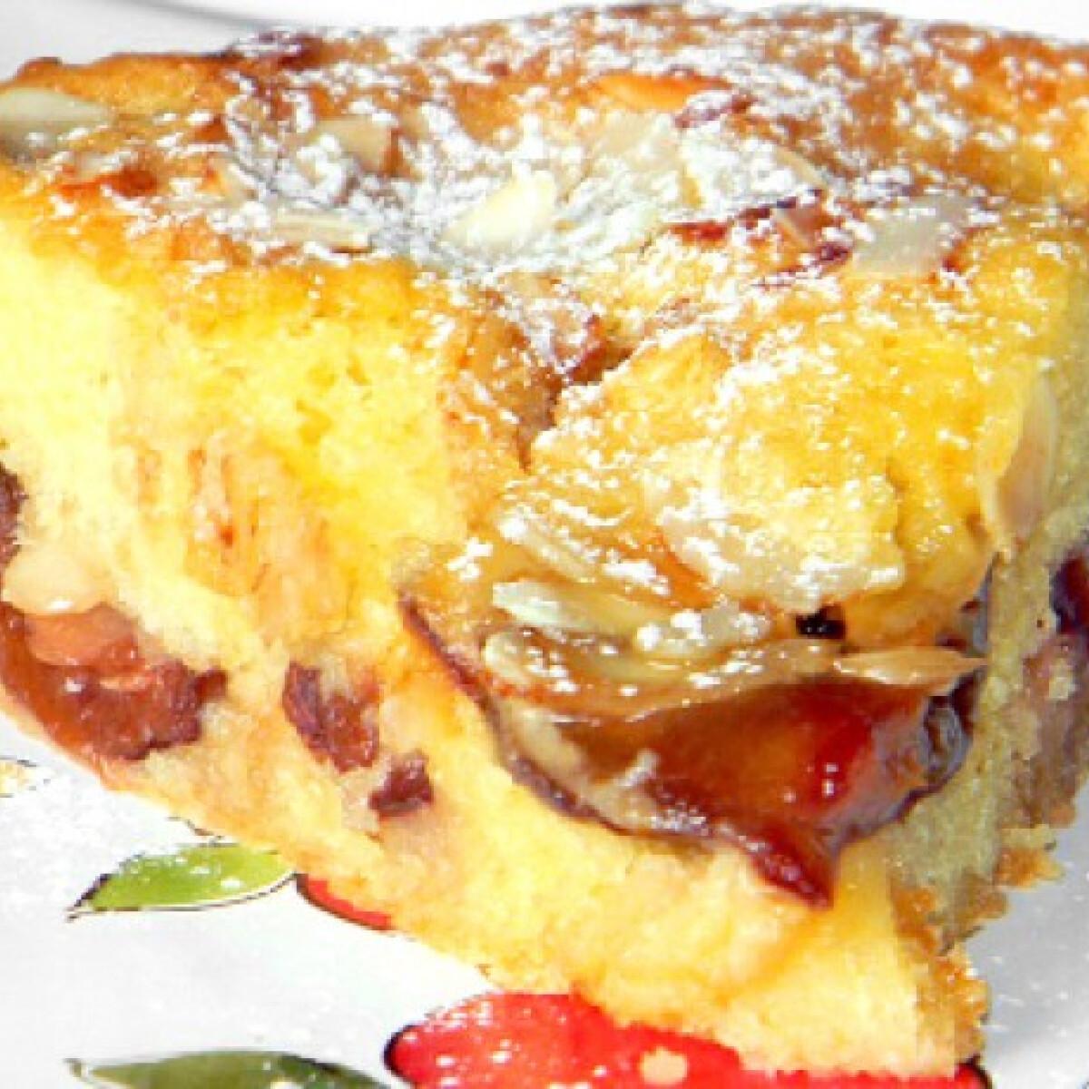 Ezen a képen: Fahéjas-rumos szilvás pite