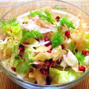 Édeskömény saláta lime-mal és gránátalmával