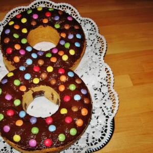 Smarties-os 8-as torta