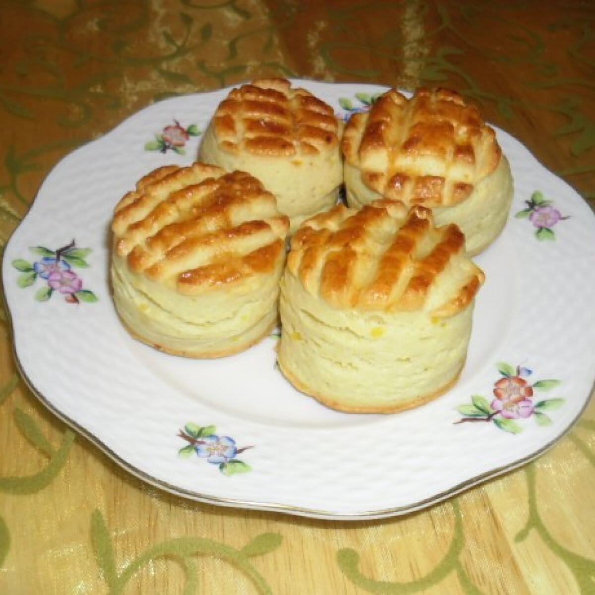Ezen a képen: Krumplis pogácsa helena konyhájából