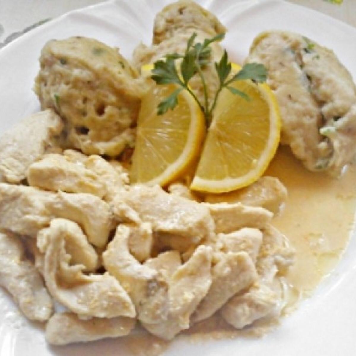Ezen a képen: Citromos csirkemell zsemlegombóccal