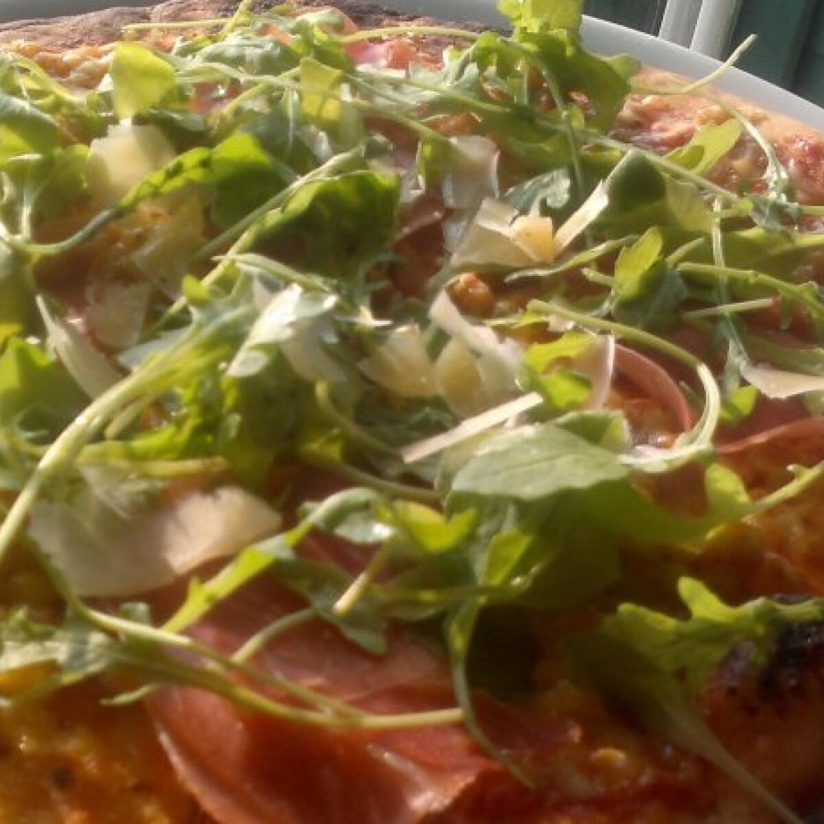 Ezen a képen: Olasz vékony pizzatészta
