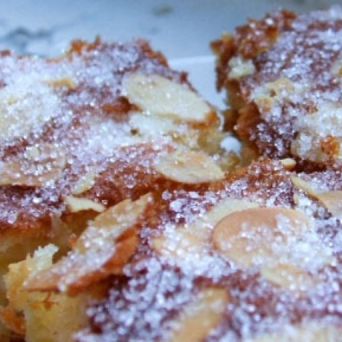 Ezen a képen: Kókuszos-almás süti