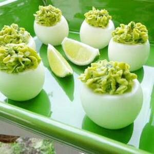 Avokádós töltött tojás