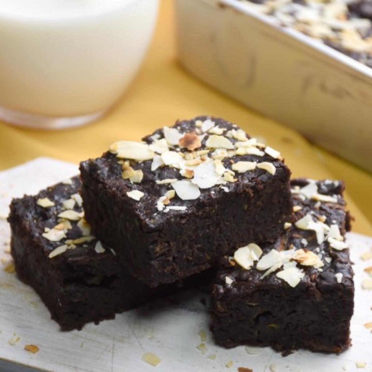 Ezen a képen: Cukkini-brownie