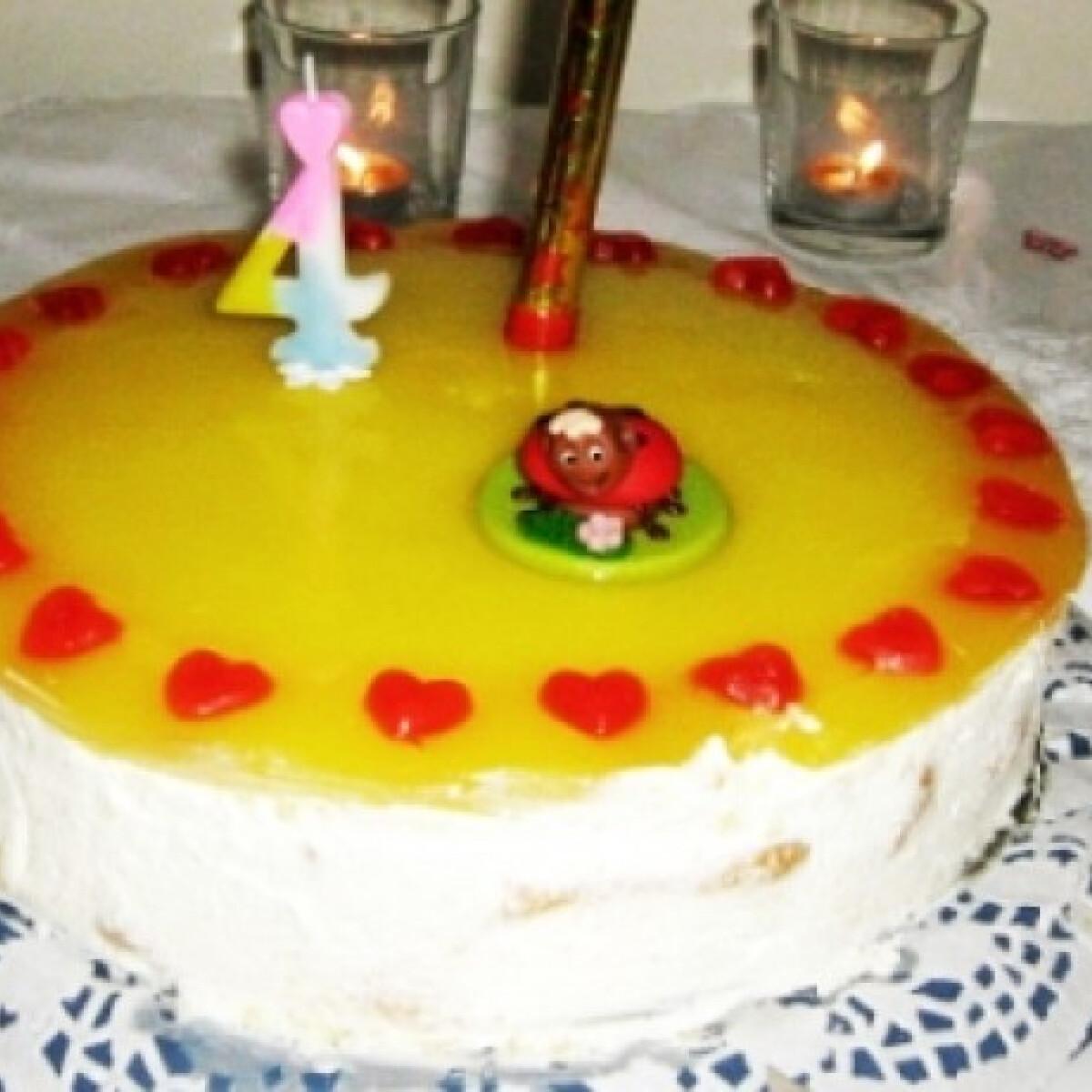 Ezen a képen: Könnyed citromtorta sütés nélkül
