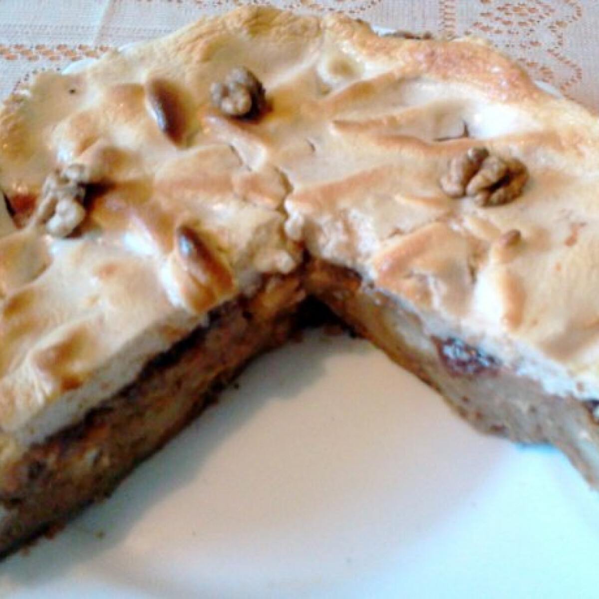 Ezen a képen: Diós guba torta Banyanya konyhájából