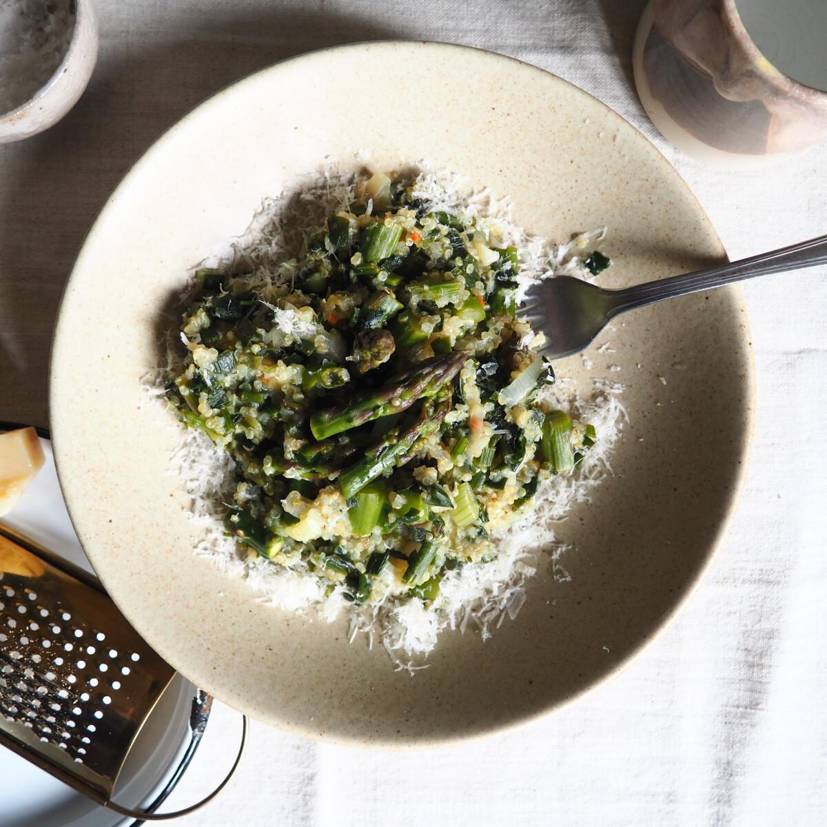 Ezen a képen: Gyors és nagyon zöld quinoasaláta