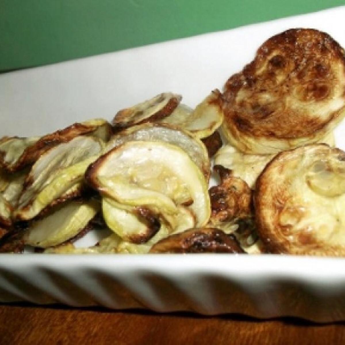 Ezen a képen: Cukkini chips