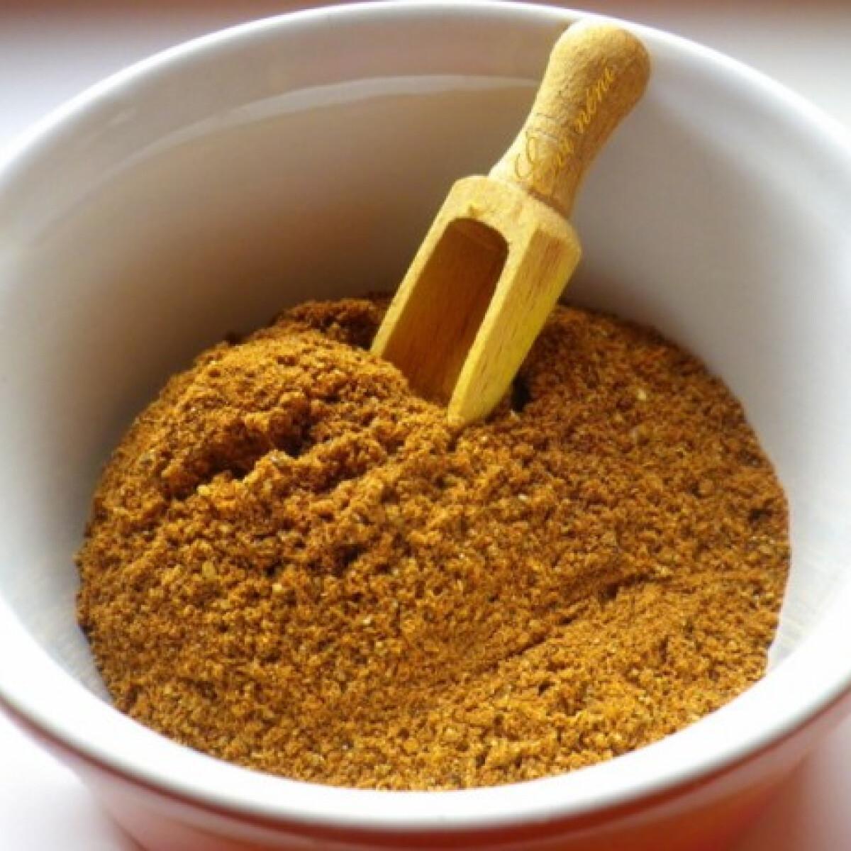 Ezen a képen: Baharat - arab fűszerkeverék