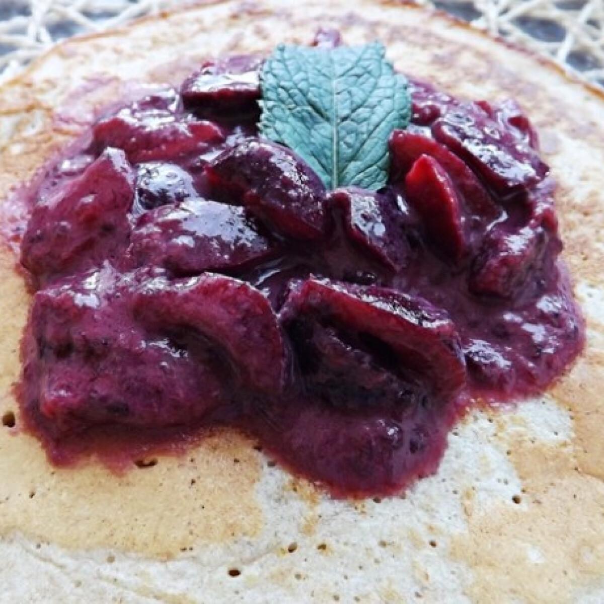 Ezen a képen: Zabpelyhes amerikai palacsinta fűszeres cseresznyével