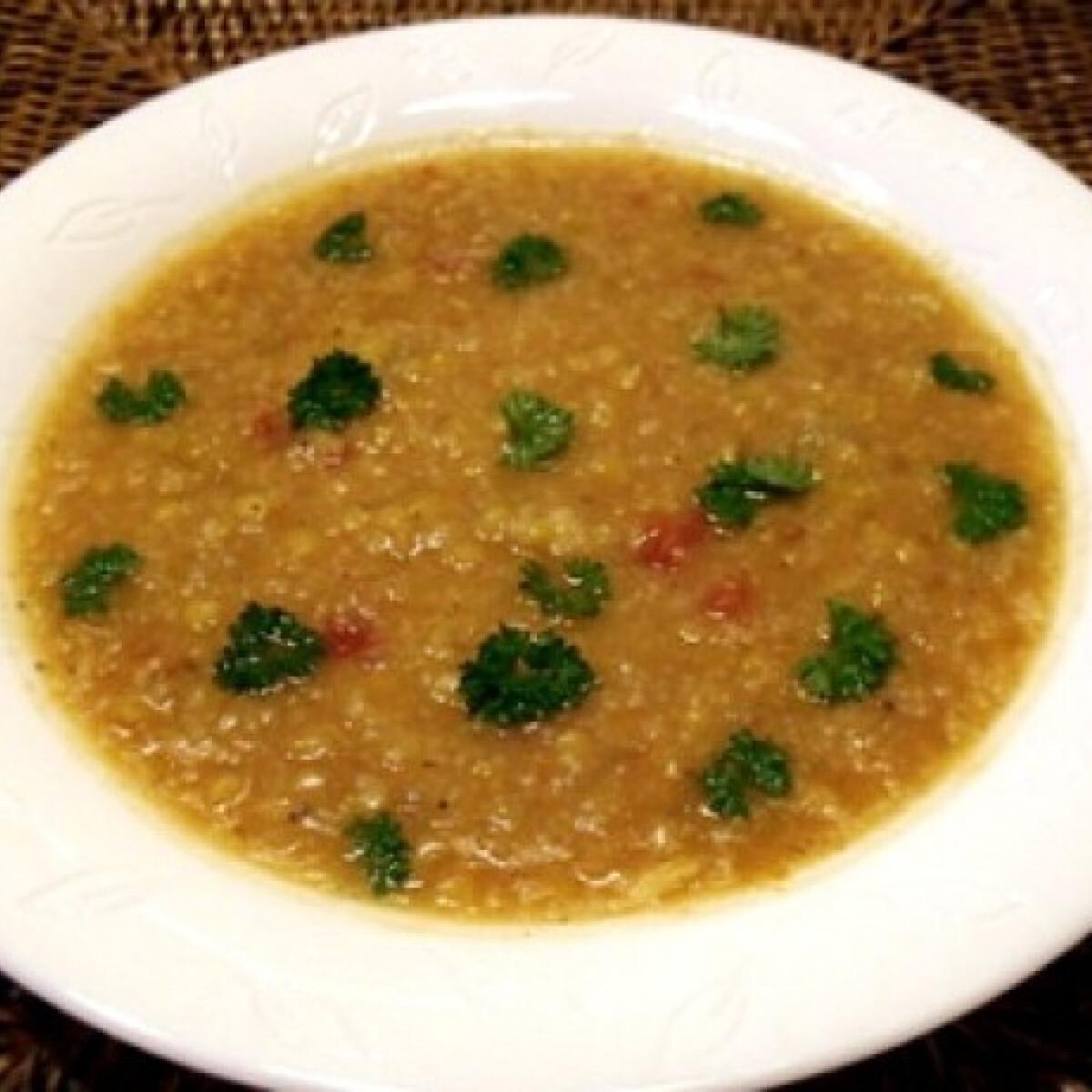 Ezen a képen: Currys lencseleves kuszkusszal
