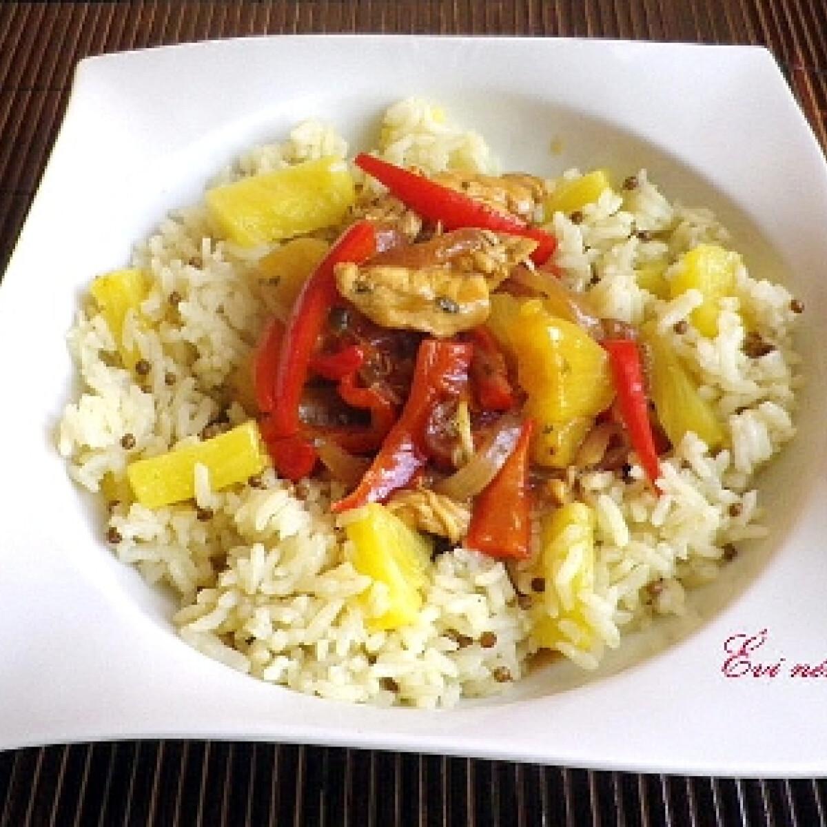 Ezen a képen: Édes-savanyú csirke ananászos rizzsel