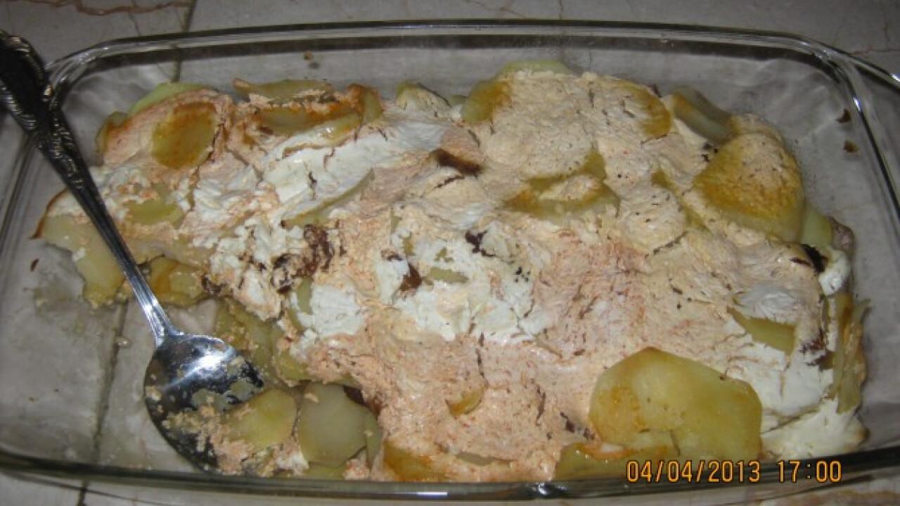 Tejfölös-szalonnás tepsis krumpli
