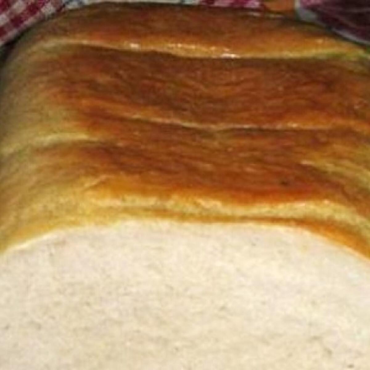 Ezen a képen: Fehér kenyér Heni konyhájából
