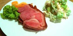 Húsvéti sonkaszelet angolzeller-salátával