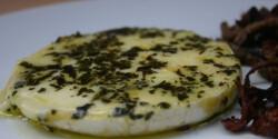Zöldfűszeres pácolt-grillezett camembert