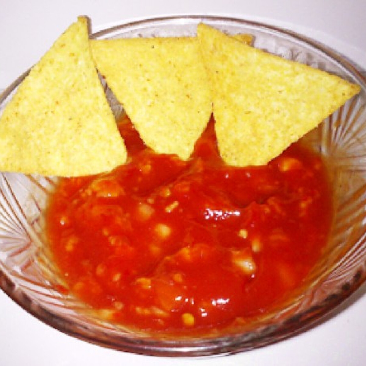 Ezen a képen: Salsa szósz nachoshoz