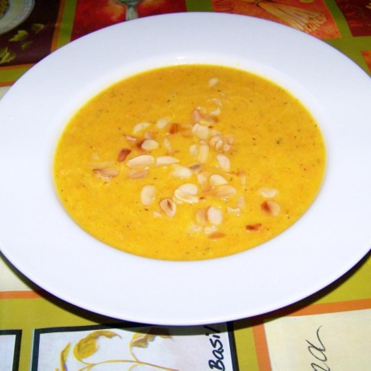 Sült-sárgarépa leves almával