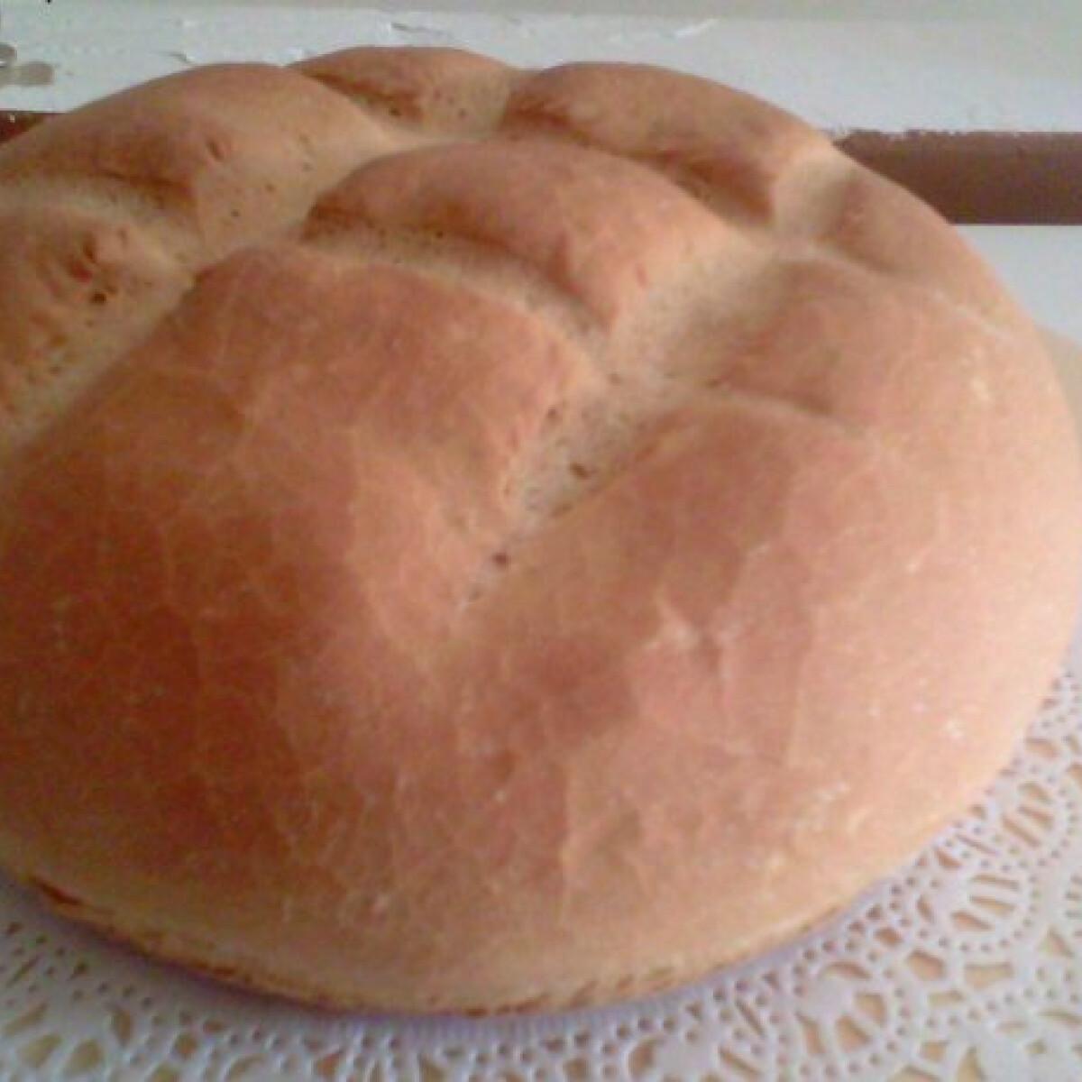 Ezen a képen: Házi kenyér Anna konyhájából