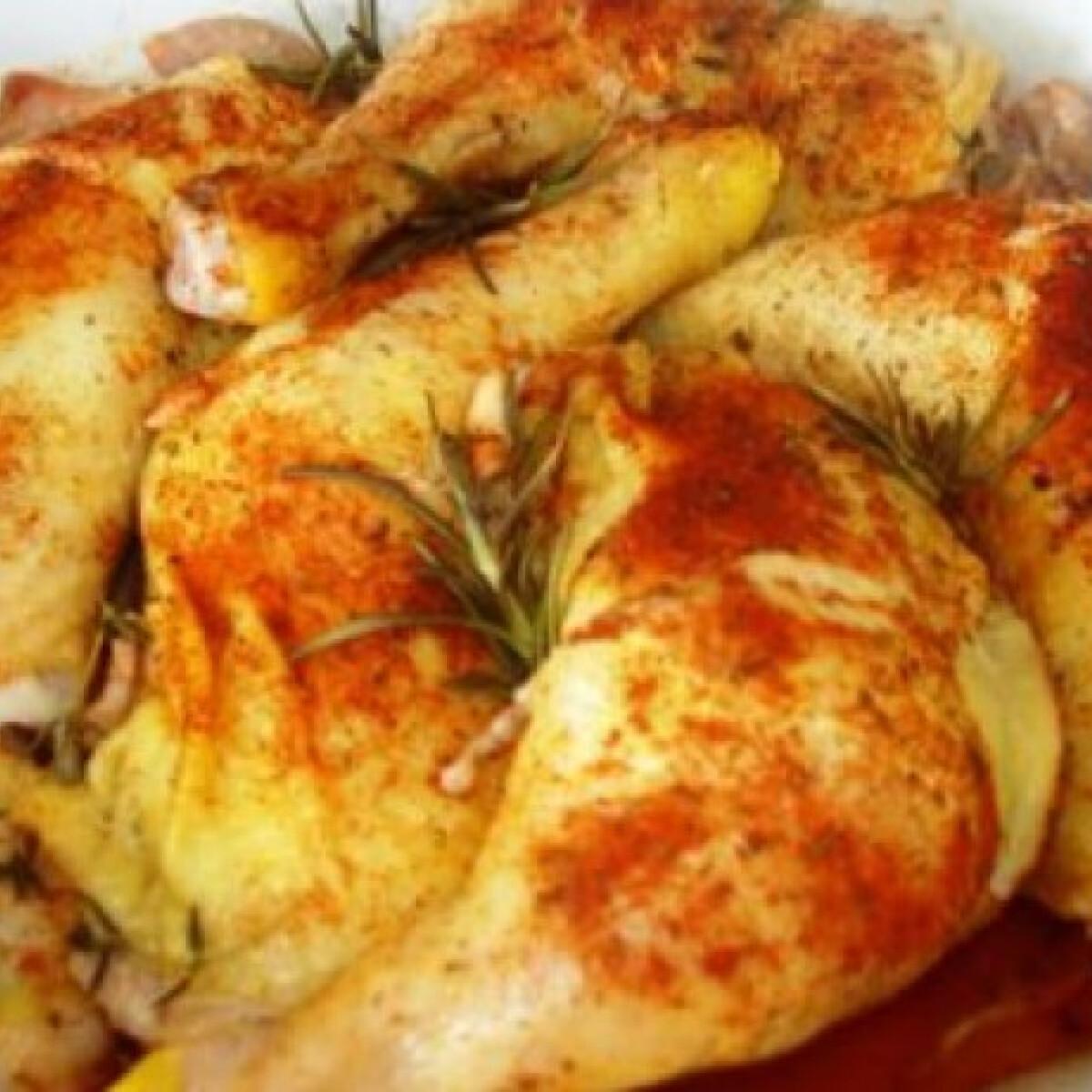 Szalonnán sült fokhagymás csirkecombok