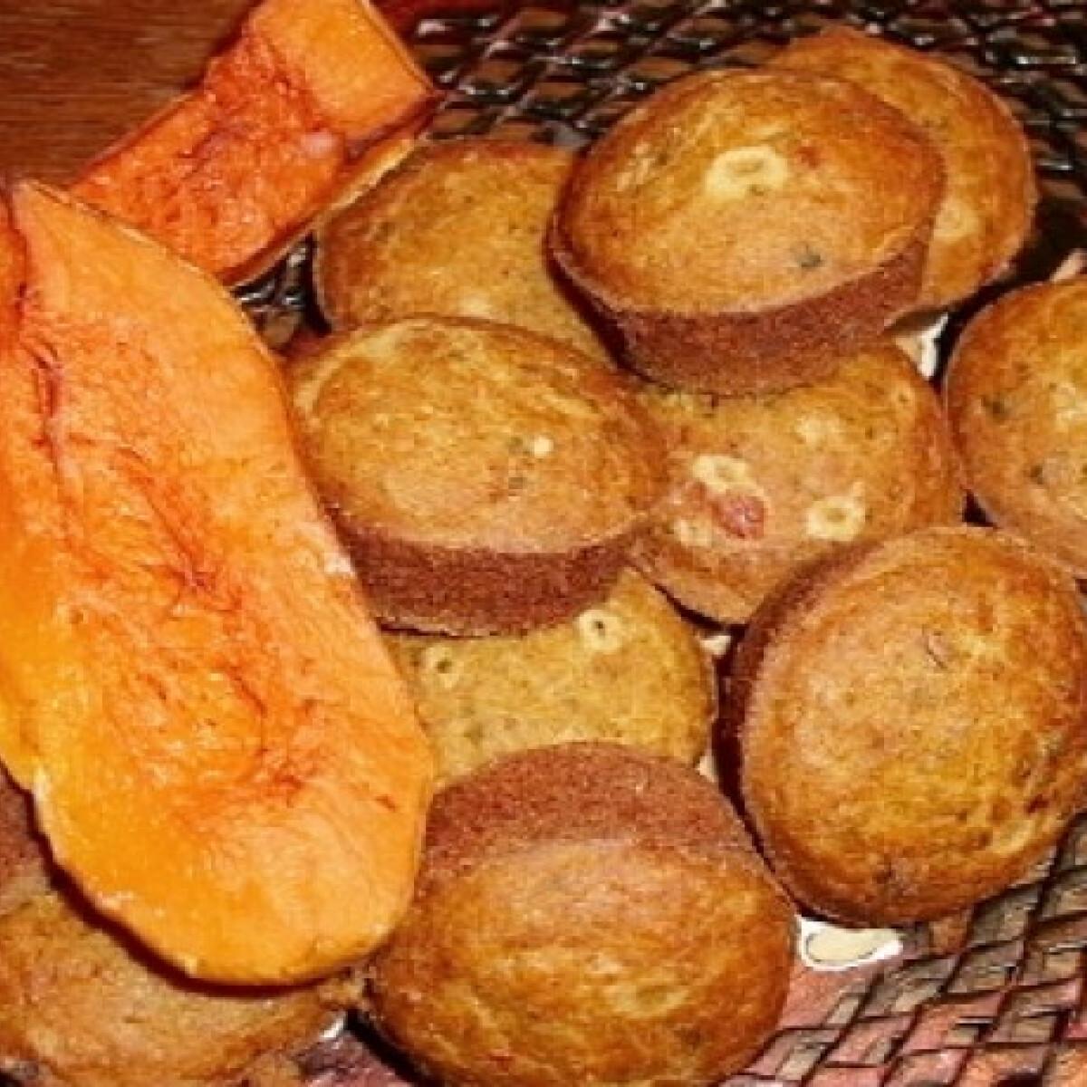 Ezen a képen: Pikáns sütőtökös puffancs