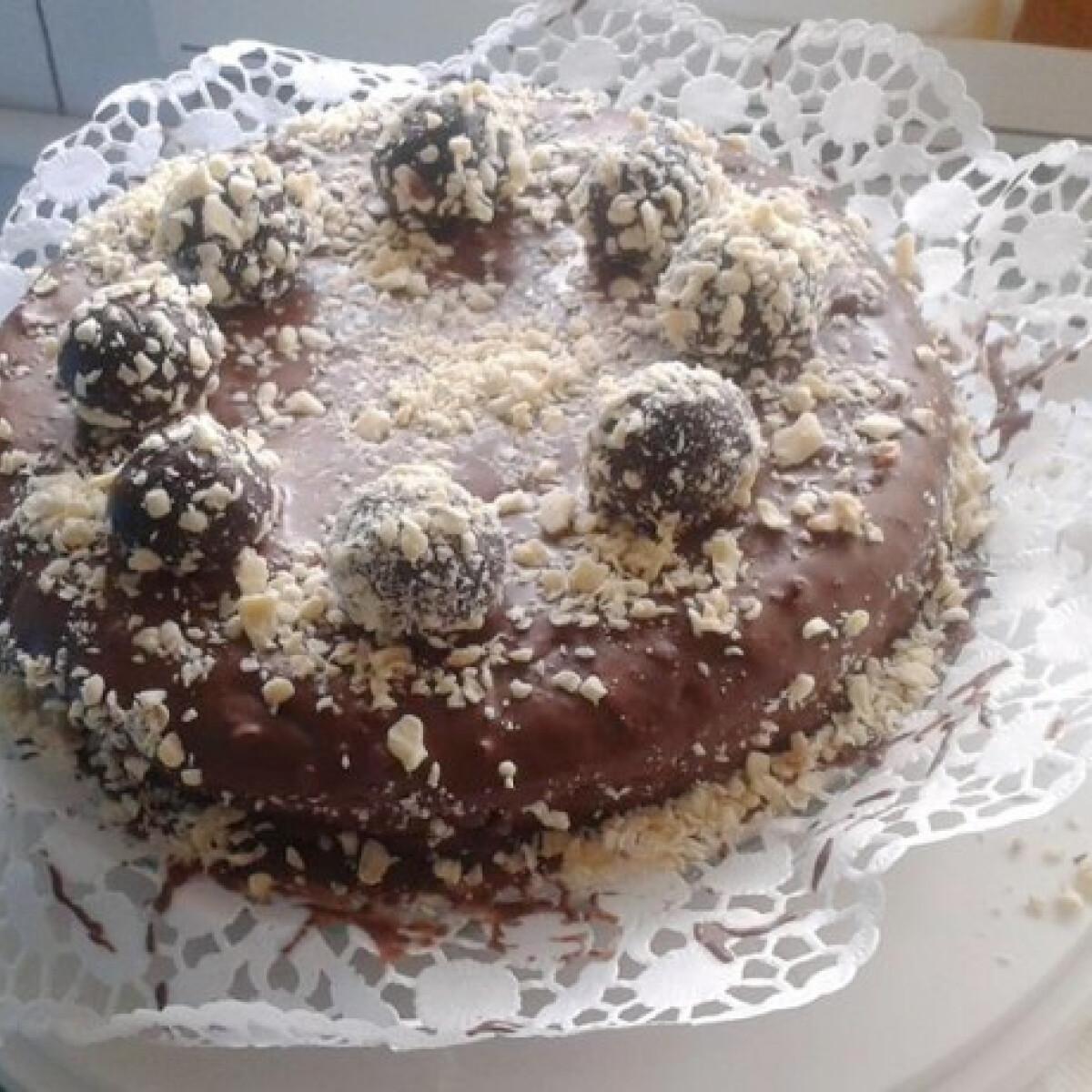 Ezen a képen: Csokoládé trüffeltorta