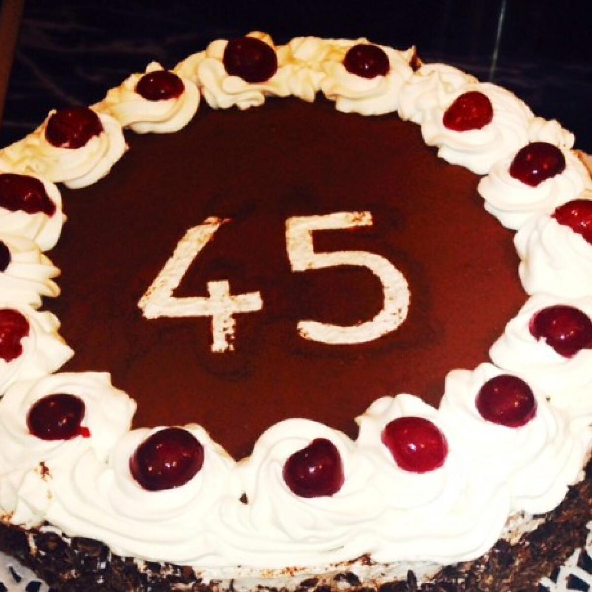 Ezen a képen: Gluténmentes feketeerdő-torta sandraa konyhájából